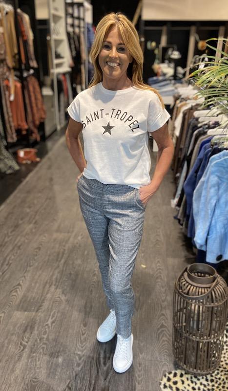grijs geruite pantalon